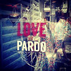 Hoy en la tienda descuentos, hamburguesas vegetarianas y shots. Los esperamos. Love like Pardo! (en Pardo)