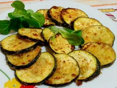 Calabacines gratinados con queso Parmesano Healthy Gluten Free Recipes, Baby Food Recipes, Dinner Recipes, Zucchini Chips, Spanish Food, Diy Food, Cooking Time, Tapas, Snacks