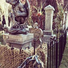 do it yourself divas: DIY Tombstones with the Queen of Halloween - Susie Butler
