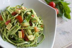 Diese Zucchini sind eine wundervolle glutenfreie Pasta-Alternative, die ...