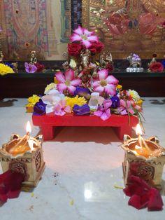 Ganesh Pooja, Ganesha Rangoli, Ganpati Decoration Design, Ganapati Decoration, Hindu Deities, Mood, Table Decorations, Home Decor, Decoration Home