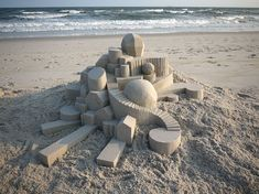 Some would say that building these incredibly complex and detailed sand castles is a complete waste of time. But for architectural genius Calvin Seibert, it's a way to express his wildest ideas and share them with everybody.