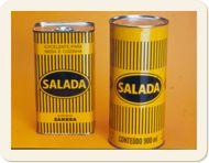 Quando o óleo acabava, fazíamos tamancos com barbante amarrados nas latas. Totalmente perigoso, mas sobrevivemos...rsrs