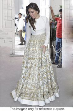 Best Kareena Kapoor In Long Anarkali Suit Indian Designer 400 x 300