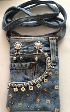 Capinha para celular de sobras de jeans  super estilosa... adoreiiii