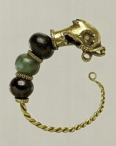 Cypriot Gold, beryl, and garnet earring Period: Hellenistic Date: century B. Amber Earrings, Garnet Earrings, Glass Earrings, Ancient Jewelry, Antique Jewelry, Beaded Jewelry, Hellenistic Art, Greek Artifacts, Greek Jewelry