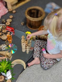 Loose Parts and Mirrors in Construction Fairy Dust Teaching, Block Play, Let Them Be Little, Reggio Emilia, Mirrors, Environment, Construction, Activities, Blog