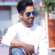 If you are in a bad mood, then Hardy Sandhu songs are medicine for your soul. List to all the popular and new songs of Hardy Sandhu on BOTY. Hardy Sandhu, Punjabi Models, Punjabi Actress, Stylish Boys, Pinterest Hair, Famous Singers, Boy Hairstyles, Smart People, Handsome Boys