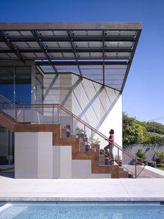 Gallery of Yin-Yang House / Brooks + Scarpa Architects - 2