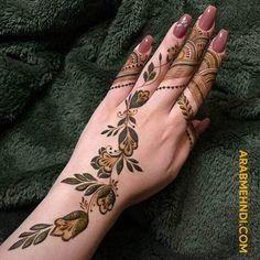 50 Al Ain Mehndi Design (Henna Design) - Ottobre 2019 - Arab Mehndi Designs - Henna Italia Henna Flower Designs, Pretty Henna Designs, Modern Henna Designs, Latest Henna Designs, Henna Designs Feet, Basic Mehndi Designs, Finger Henna Designs, Mehndi Design Photos, Mehndi Designs For Fingers