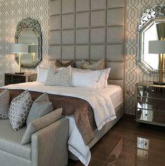 Love love this elegant bedroom design!… . By @meroelinens #lovefordesigns#homedecor #homedesign#fixerupper#interiordecor#luxury#newhome#lighting#homeinspo#living#designideas#interiors#decor#homeinspo#instadesign#hogar#casa#interiorinspo#staging#realestate#homesweethome#bedroominspo