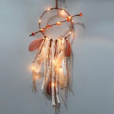 Dyi Crafts, Decor Crafts, Arts And Crafts, Wall Hanging Crafts, Yarn Wall Hanging, Dream Catcher Craft, Cute Canvas Paintings, Native American Crafts, Flag Decor