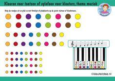 Kleuren voor toetsen of klankstaven voor kleuters, met bijbehorende bladmuziek thema muziek, kleuteridee, free download
