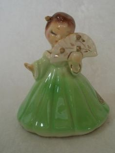 Vintage Josef Originals California Girl With Fan Figurine -- Antique Price Guide Details Page Cold Porcelain Jewelry, Porcelain Doll, Glass Dolls, Beautiful Christmas Decorations, Romantic Shabby Chic, Shabby Chic Farmhouse, Green Girl, Chinese Antiques, Collectible Figurines