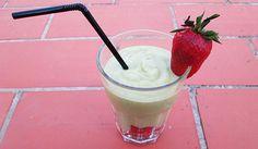 Batido de aguacate y plátano!!!Una bebida refrescante para recuperar energía después de una caminata por Marrakech!