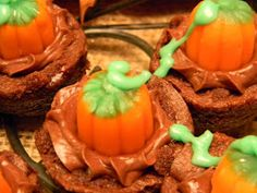 southern fried gal: Easy Pumpkin Patch Brownies