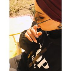Girl Photography Poses, Tumblr Photography, Stylish Girls Photos, Girl Photos, Hijab Style Tutorial, Street Hijab Fashion, Cute Girl Photo, Girly Pictures, Girls Dpz