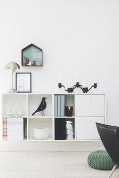 "Eames House Bird and Architectmade"" New Living Room, Home And Living, Living Room Decor, Small Apartment Living, Small Space Living, Montana Furniture, Home Furniture, Blue And White Living Room, Living Room Inspiration"