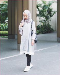 Best Ideas For Style Hijab Remaja Gemuk 775182154596023258 – Hijab Fashion 2020 Hijab Casual, Hijab Chic, Casual Outfits, Fashion Outfits, Casual Jeans, Ootd Hijab, Hijab Fashion Casual, Jeans Fashion, Outfit Essentials