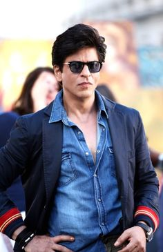 The industry was taken aback when Red Chillies Pvt Ltd and Rohit Shetty Productions decided to release their next venture, Dilwale, on their own instead of having a corporate house do the honours. Shahrukh Khan Family, Shahrukh Khan And Kajol, Salman Khan Photo, Aamir Khan, Dilwale 2015, Bollywood Hairstyles, Richest Actors, Srk Movies, Most Handsome Actors