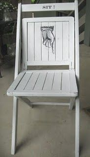 love this repurposed vintage folding chair