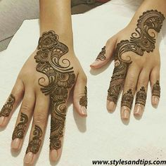 Mehndi design makes hand beautiful and fabulous. Here, you will see awesome and Simple Mehndi Designs For Hands. Pretty Henna Designs, Henna Tattoo Designs Simple, Finger Henna Designs, Arabic Henna Designs, Mehndi Designs 2018, Modern Mehndi Designs, Mehndi Designs For Girls, Mehndi Design Photos, Mehndi Designs For Fingers