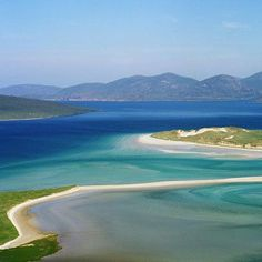 Luskentyre Beach: Outer Hebrides: Travel Guide