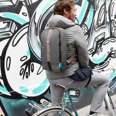 sling bag backpack super slim and super light weight, modular design concept - perfect when a normal backpack is too bulky - piggyBack Modular Design, Holsters, Backpack Bags, Gadget, Winter Jackets, Concept, Slim, Backpacks, Travel