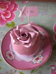 Cakes Colour Schemes, Beautiful Cakes, Wedding Cakes, Sweet Treats, Desserts, Food, Pretty Cakes, Wedding Gown Cakes, Meal