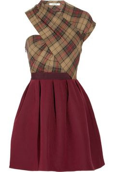 love these colors-- interesting dress style--wonder how it would look on me-- lp