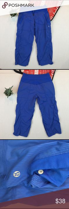 """• Lululemon Crop Pants Size:4 • PreLoved in great condition • Inseam: 20"""" • lululemon athletica Pants Ankle & Cropped"""