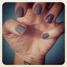 Gray nails w/ hematite glitter accent