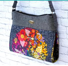 The Gabby Bag  A fun shoulder bag to sew. Make by EmmalineBags