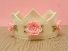 Where to Buy DIY Felt Birthday Crown in ivory with pink roses - birthday crown, handmade felt crown Felt Diy, Handmade Felt, Felt Crafts, Fabric Crafts, Sewing Crafts, Sewing Projects, Craft Projects, Diy Crafts, Felt Headband