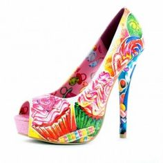 Iron Fist Sweets for my sweet platform: cupcakes op je peeptoes!