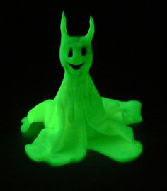 glow-in-the-dark ghostie polyclay project