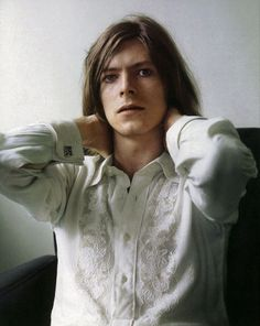 David Bowie, 1971, in a Brian Ward photo shoot for the cover of Hunky Dory.