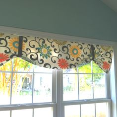 Curtain Ideas For Kitchen Valances Easy DIY.This Simple To Make Board Mounted Valance Uses One Yard Of . Home and Family Bedroom Valances, Kitchen Window Valances, Diy Curtains, Valences For Kitchen, Window Blinds, Kitchen Curtains, Valance Window Treatments, Kitchen Window Treatments, Window Coverings