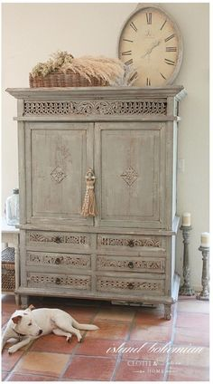 Decorate the Top of an Armoire | chatfieldcourt.com #bohemianchic #easyhomedecor