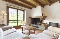 Preciosa casa en Gessa situada a sólo 5 kms de Baqueira Beret.  http://www.pirinalia.com/baqueira/gessa-casa-n-7-aranesa-descripcion-125.html