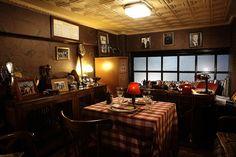 Τα 10 καλύτερα μαγαζιά της Αθήνας! Places To Eat, Liquor Cabinet, Coffee Maker, Kitchen Appliances, Athens, Storage, Furniture, City, Home Decor