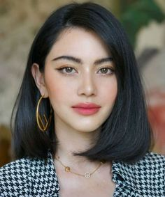 Most Alluring Stacked Bob Hairstyles 2020 for Women That are Truly Incredible Beauty Make-up, Beauty Hacks, Hair Beauty, Hair Inspo, Hair Inspiration, Medium Hair Styles, Short Hair Styles, Stacked Bob Hairstyles, Short Hairstyles For Round Face