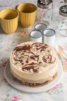 Tarta helada de café y brownie Chesee Cake, Cake Cookies, Cupcake Cakes, Cupcakes, Choco Chocolate, Festina, Extreme Food, Decadent Cakes, Fancy Desserts