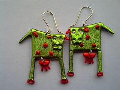 Josephine Gordon - Home Friendly Plastic, Plastic Jewelry, Polymer Clay Creations, Art Projects, Crafts For Kids, Recycling, Jewelry Making, Crafty, Christmas Ornaments