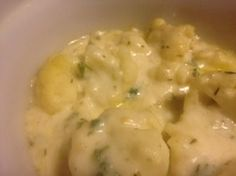Easy CHEESEY CAULIFLOWER au GRATIN * lots of mozzarella (or 3 Italian cheese blend) * herbs * all prep done in microwave & then baked ** similar flavor to mac & cheese ** SIDE DISH, but could also be vegetarian main dish