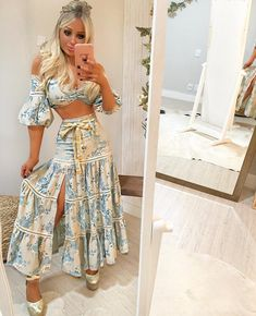 winter outfits for women Classy Outfits For Women, Casual Outfits, Vestidos Chiffon, Hijab Fashion, Fashion Dresses, Skirt And Top Set, Boho Fashion Summer, Mode Hijab, Two Piece Dress