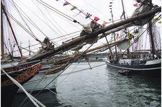 ships-in-Esbjerg-harbour-Denmark-bowsprit-of-Svanen-BG.jpg (1536×1024)/Bauprés m. Mar. Palo grueso colocado horizontalmente en la proa del buque...