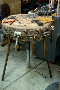 Workshop Studio, Workshop Ideas, Diy Workbench, Industrial Workbench, Art Studio At Home, Workshop Organization, Woodworking Shop, Artisan Jewelry, Metal Working