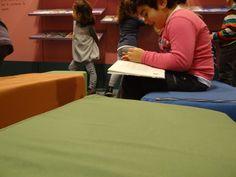 Colegio Villar y Macías. 2º de Educación Infantil (I) Hacer Escuela: El mundo de los cuentos    Fotografías realizadas a los grupos escolares y a los alumnos que han visitado la exposición.