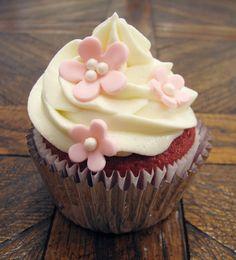 That+Winsome+Girl:+Red+Velvet+Birthday+Cupcakes